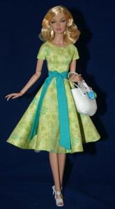"""Green Going Shopping Dress for 16"""" Poppy Dolls"""