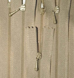 "4 1/2"" Tan Zipper"